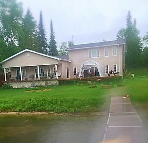 Beautiful 4 bedroom home or cottage on keefer lake