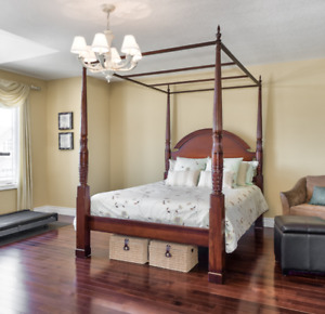 Waterdown - Bombay 4 Poster Queen Size Bed with matching Step