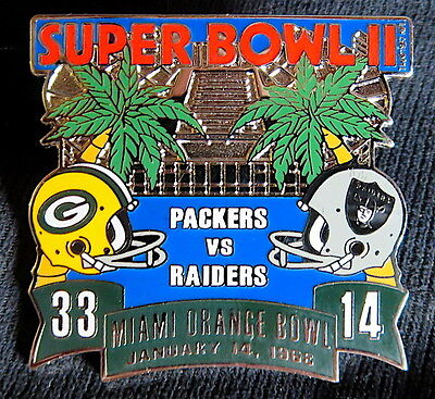 SUPER BOWL 2 ~ GREEN BAY PACKERS / RAIDERS Final Score LAPEL PIN Willabee & (Green Bay Packers Last Super Bowl)