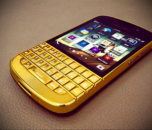 Brand New in gold color unlocked BlackBerry Q10