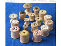 17 x various sizes VINTAGE WOODEN COTTON REELS £3 the lot