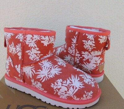 UGG AUSTRALIA TROPICAL BOOTS WOMEN SIZE 6 NEW WITHOUT BOX!!!