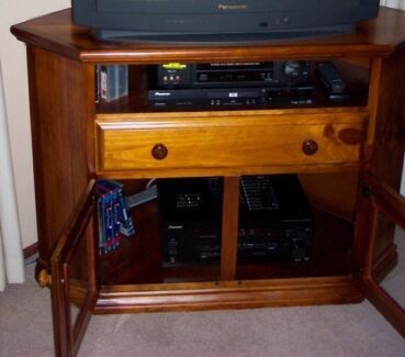 Solid timber wood TV cabinet entertainment unit wide screen East Kurrajong Hawkesbury Area Preview
