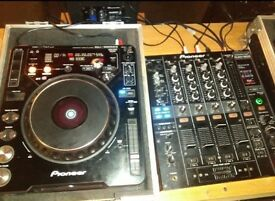 Pair of cdj 1000 with dim 800 mixer