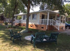 Beautiful and Well Maintained Lakeview Cottage