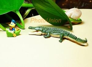 Cake-Topper-DISNEY-DONALD-DUCK-ALLIGATOR-CROCODILE-CHASE-DIORAMA-D2