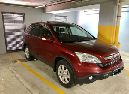 Honda CRV AWD  low km e