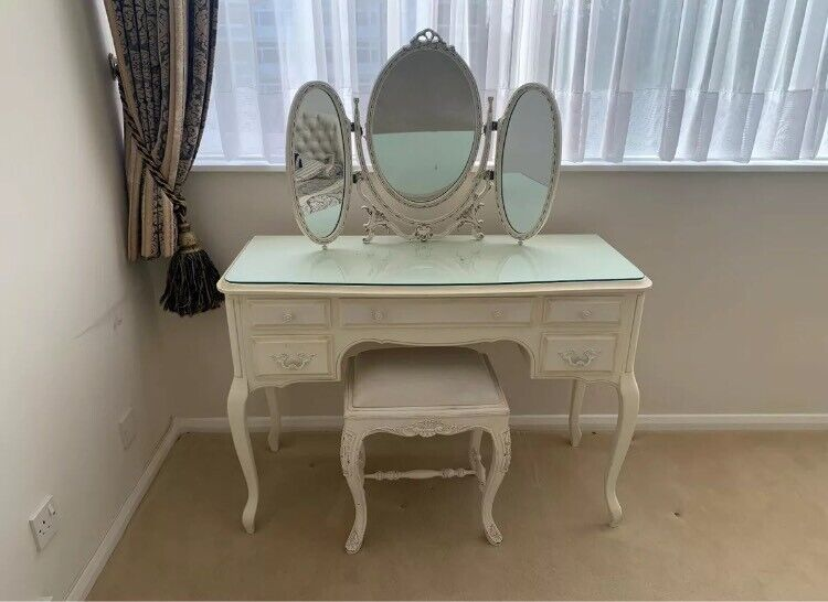 Vintage Five Drawer Dressing Table With, Mirrored Dressing Table Set Gumtree