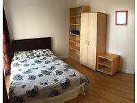 DOUBLE ROOM IN LOVELY HAMMERSMITH!