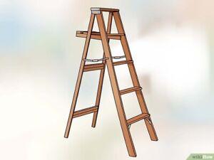 Escabeau ou échelle de bois recherché