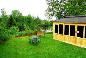 Charmant motel 8 unités + maison 3 cc près d'un lac Shefford