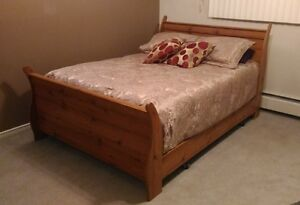 Queen Size Complete Sleighbed + free delivery