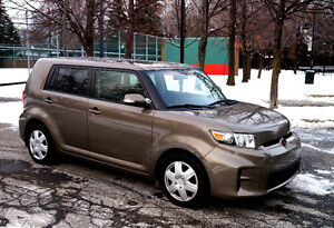 2011 Scion xB 5 vitesses impeccable 69 000 km