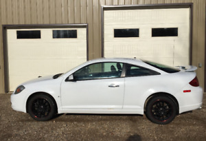 2007 Pontiac G5 GT - Low mileage, summer & winter tires and rims