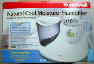 Honeywell Natural Cool Moisture Humidifier – New in Box