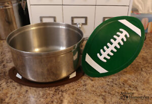 Football Trivet - Non-slip silicone hot pad - spoon rest