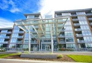 CONTEMPORARY ONE BEDROOMJ PLUS DEN LOCATED IN CENTURY PARK!!!