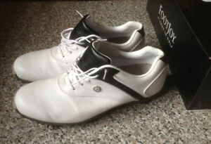 LADIES ~ SIZE 9.5 ~ FOOTJOY GOLF CLEATS FOR SALE!