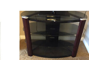 TV STAND IN GREAT CONDITION FOR SALE