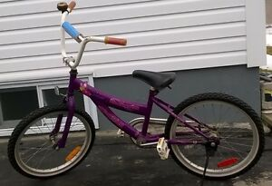 GIRLS BIKE FOR SALE, 20 INCH TIRES