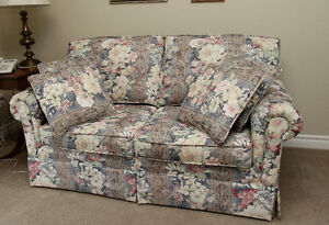 Loveseat sofabed, with twin mattress Kitchener / Waterloo Kitchener Area image 1
