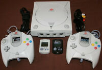 Sega Dreamcast, 2 Controllers & 2 Memory Cards