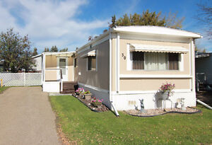 Mobile Home with Modern Flair in Westview Village