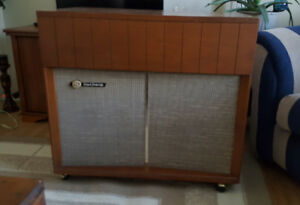 GE High Fidelity Deluxe Combintation AM Radio/Record Player