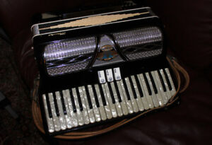 VINTAGE ACCORDION WITH CASE - MADE IN ITALY - MAURO - ORGANTONE