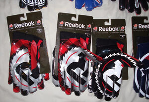 AUTHENTIC CFL FOOTBALL GLOVES - MONTREAL ALOUETTES + MORE West Island Greater Montréal image 4