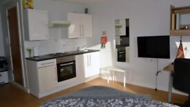 STUDENT ROOM TO RENT IN LEICESTER . STUDIO AND ONE BED APARTMENT ARE AVAILABLE