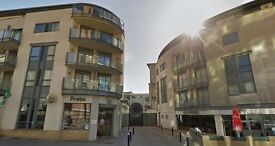 Executive 2Bed 2Bath Apt, Sea-View Balcony + Car Parking, West Street - GR8 DEAL AVAILABLE!