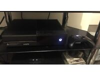 XBOX ONE 500 GB WITH STEALTH HEADSET AND 1 CONTROLLER