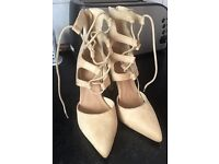 Women's Suede Cream Shoe Size 5 By Chic