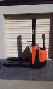 PALLET JACK/FORKLIFT ELECTRIC Southport Gold Coast City Preview