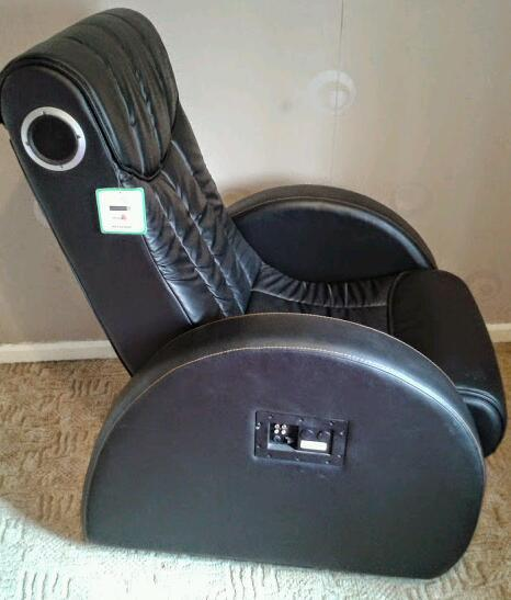 Leather Reclining Gaming Chair With Built In Speakers In