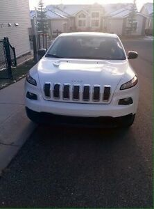 2014 Jeep Cherokee Sport Like New