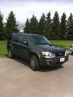 2005 Ford Escape LIMITED SUV, INSPECTED $1750 or B.O.