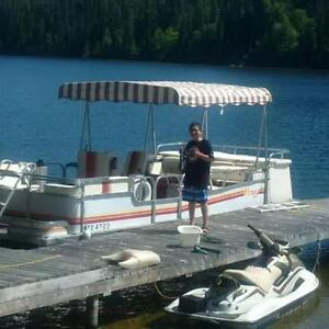26 foot Pontoon with 50 hp Evinrude for sale