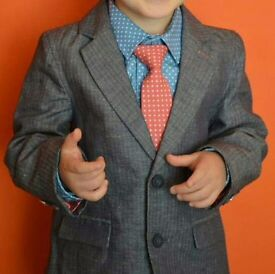new boys suit 2-3 perfect for Christmas