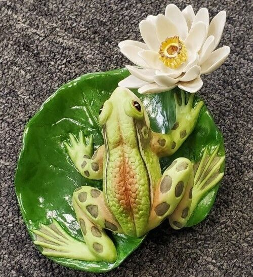 Boehm Porcelain Frog on The Lilypad