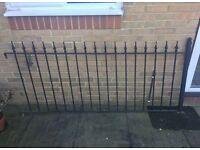 Wrought iron fence x 7 Lengths