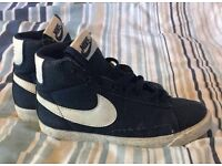 Kids Nike Trainers Size 13