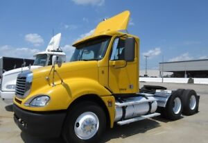 2003 freightliner Columbia  day cab ditroit 470hp 10 speed manua