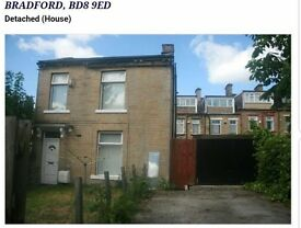 3 bed detached house in bd8