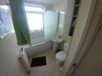 Strategic Location / Next to Station * All Bills Incl.* BEST FLATMATES