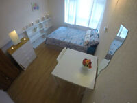 STUNNING BIG DOUBLE ROOM IN FANTASTIC LOCATION - SUPER NICE FLAT MATES - zone 2