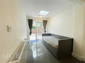 Lovely Studio Flat to Rent on Wheatlands, Heston in Hounslow TW5 (For Single Professionals)