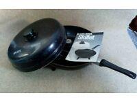 Black & Decker Skillet. Ideal for Camping, Caravaning or VW.