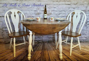 Top Leaf Table & 2 Chairs